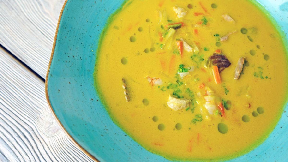 Zupa rybna w stylu orientalnym