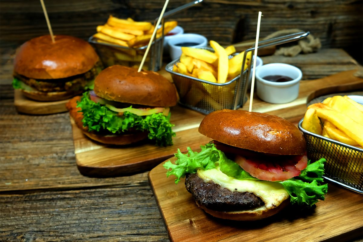 Hamburgery w restauracji Kobaltowa